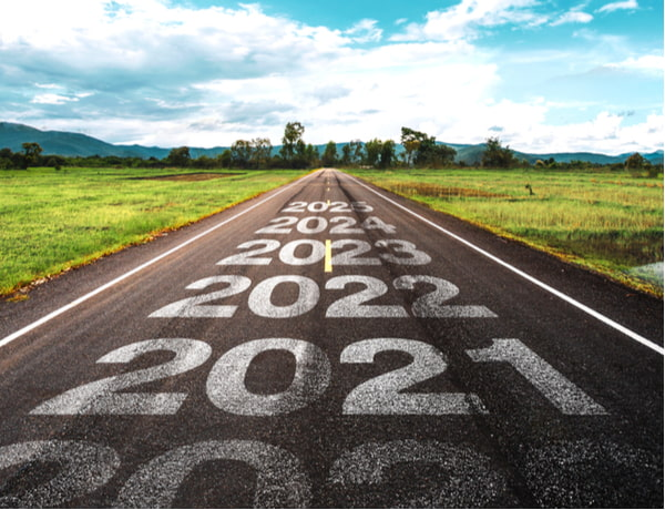 2020-2025 written on highway road